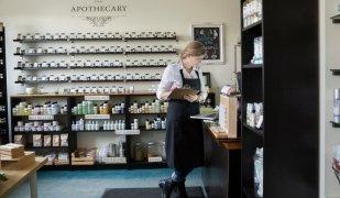 Abans d'obrir un negoci, cal supervisar alguns aspectes normatius