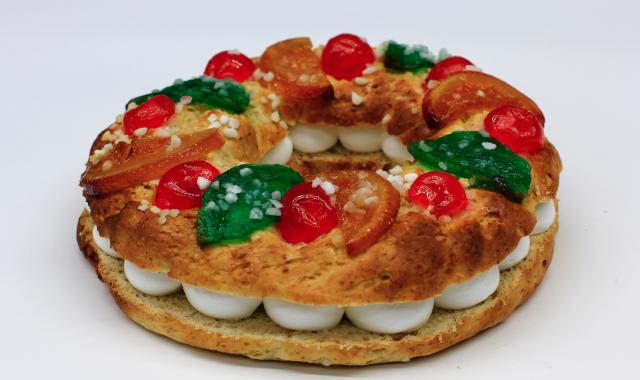 Cot elabora un tortell de Reis apte per a tota la família