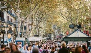 Les Rambles de Barcelona són una mostra de la massificació turística a la ciutat