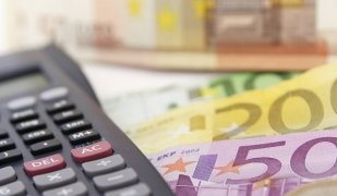 Els salaris s'han reduït un 6,5% entre el 2010 i el 2015