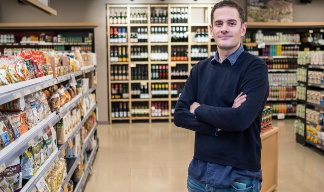 """Silvio Elias està al capdavant de Veritas, que es defineix com el lloc on trobar """"menjar de veritat"""""""