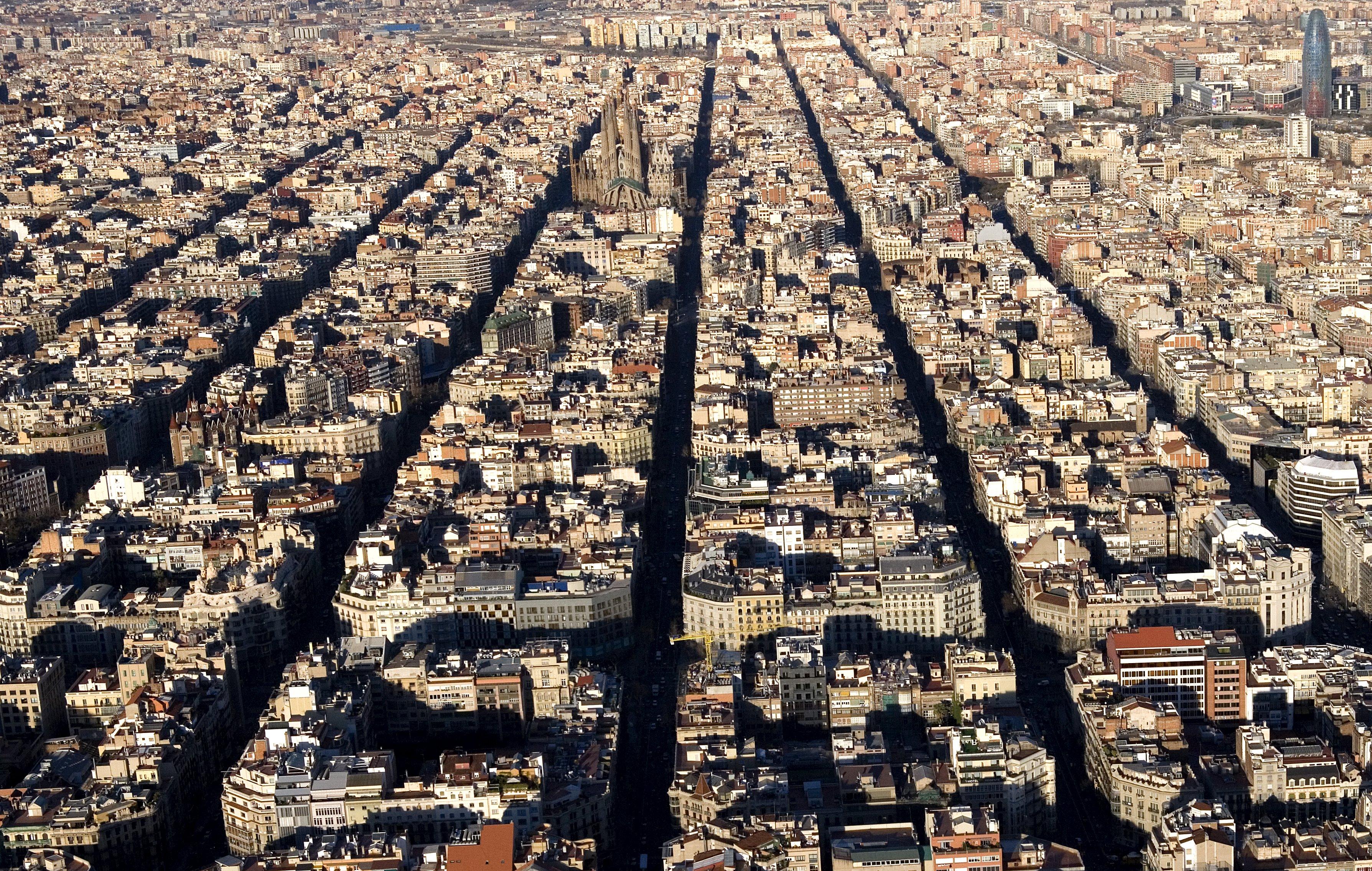 73 milions d 39 euros per aixecar un gratacel de pisos a for Piso 80000 euros barcelona