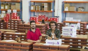 Toni i Guillem Badias són els fundadors de Zacaris.com, un negoci que ha evolucionat de la botiga de calçat que ja tenien els avis