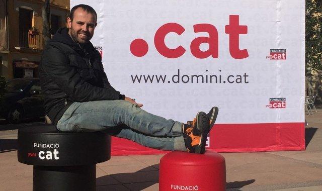 L'humorista Peyu que dóna suport a la tasca de la Fundació de normalitzar l'ús del català a Internet