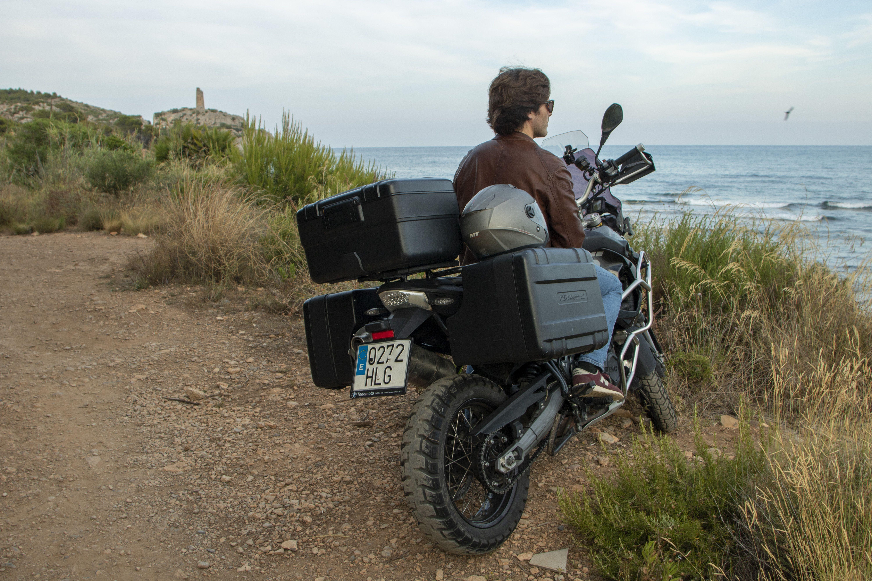 Momoven reorienta su negocio al alquiler de motos entre