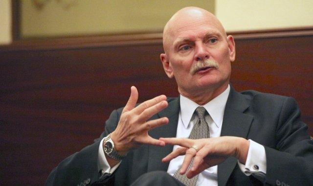 El conseller delegat de la GSMA, John Hoffman durant l'entrevista