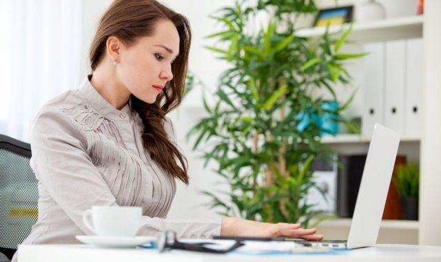 Les dones representen almenys un 40% de la força laboral en una vuitantena de països