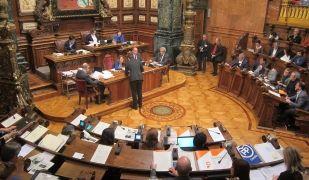 Imatge del ple de l'Ajuntament de Barcelona