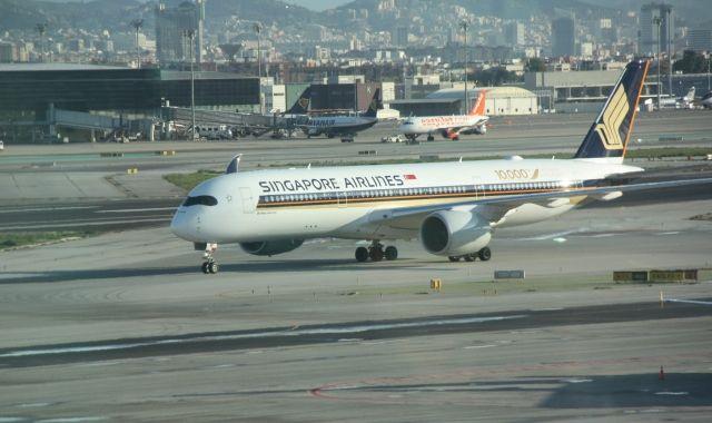 Imatge de l'Airbus A350 de Singapore Airlines un cop ha aterrat al Prat
