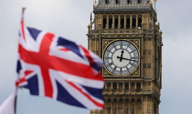 El Regne Unit activa l'article del Tractat de la Unió per activar el Brexit