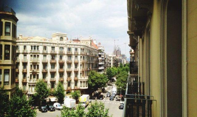 Les xifres de creixement d'Airbnb a Barcelona mostren una realitat que les Administracions han de poder gestionar