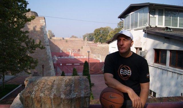 Jordi Sampietro viu a Belgrad des del 2004, ciutat des de la qual importa coneixement de bàsquet a Catalunya
