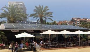Les plaques fotovoltaiques són un dels trets característics de LaSal del Varador