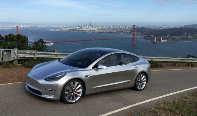 El nou cotxe Model 3 de Tesla