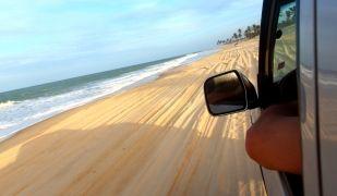 Viatjar amb cotxe és una de les tries més habituals dels espanyols | Acistock