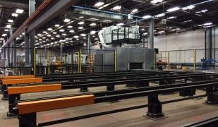L'interior de la fàbrica de FICEP S3
