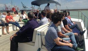 Imatge de la visita al Port de Barcelona de la Cambra de Terrassa