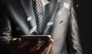 Consultar el correu electrònic dels treballadors s'ha convertit en un tema controvertit