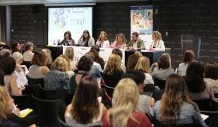 Taula rodona d'inauguració del Women 360º Congress. |Artur Ribera