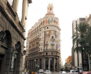 L'edifici del Banc de València, on s'ha traslladat la seu social de CaixaBank. | J. Soler (ACN)