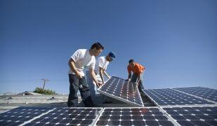 La legislació és un dels obstacles per l'autoconsum energètic de les empreses