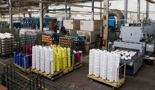 Interior de la fàbrica de Bros, ubicada a Sabadell | Bros