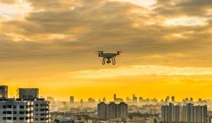 Els 'drones' també formen part de la tecnologia de les noves 'smart cities' | Acistock