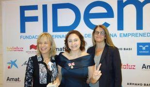 Ana Bella, al centre, en la cerimònia d'entrega dels premis Fidem | Fidem