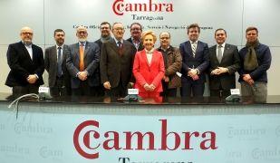 Laura Roigé amb els membres del Comitè Executiu de la Cambra de Tarragona | ACN
