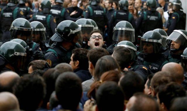 Càrregues policials durant el referèndum de l'1 d'octubre