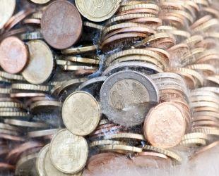 Els salaris estan congelats des de l'inici de la recuperació | Acistock