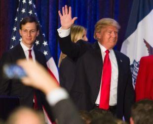 El gendre de Trump, a l'esquerra de la imatge