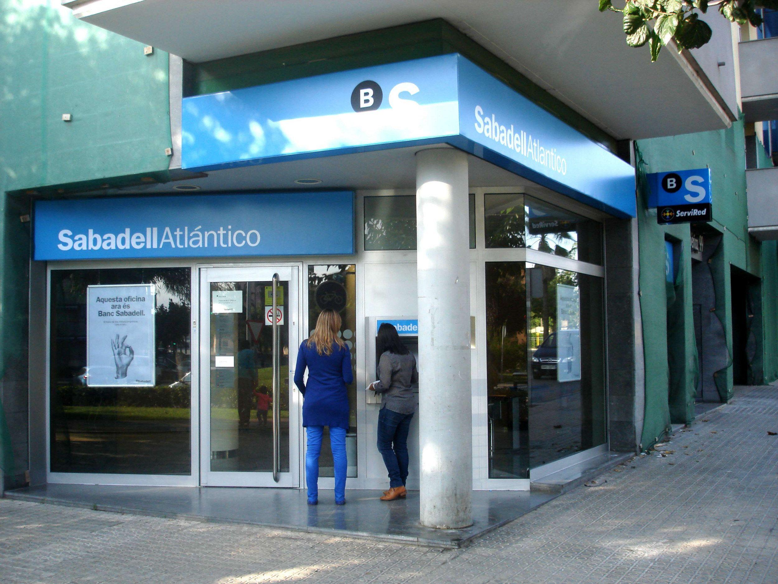 La meitat dels municipis catalans no disposen d 39 oficina for Banc sabadell oficines sabadell
